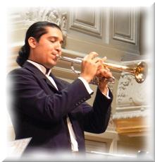 O trompetista Pacho Flores imparte un curso en Xirivella (Valencia)